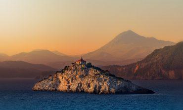 Polacy coraz częściej wyjeżdżają na urlop jesienią. Wśród popularnych kierunków jest Chorwacja