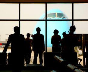 Luka w prawach pasażera linii lotniczych. Podróżni mają kłopot z uzyskaniem rekompensaty za opóźniony lub odwołany lot