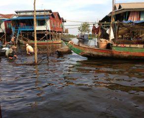 Kambodża - wioski na jeziorze Tonle Sap