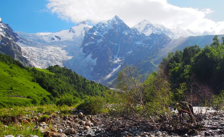 Gruzja: majestatyczny Kaukaz na szlakach Swanetii