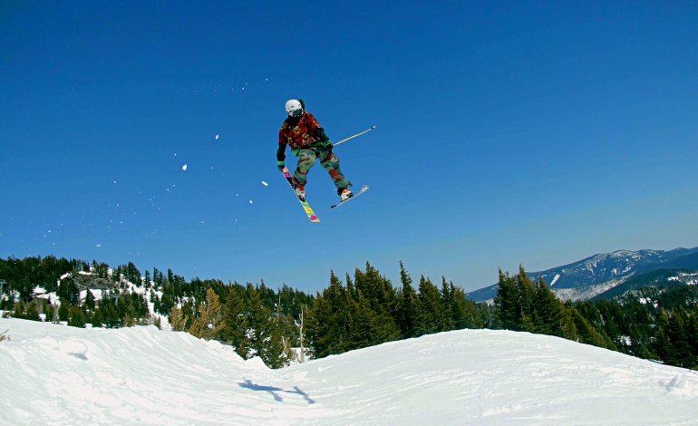 Wyjazd zagraniczny na narty bez polisy może być bardzo kosztowny..