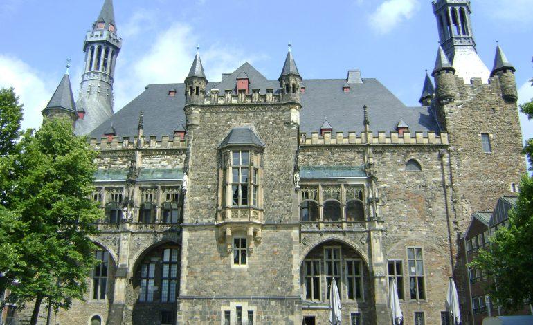 Aachen -dziedzictwo cesarstwa