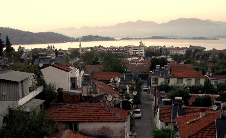 Fethiye: miasteczko wśród starożytnych grobowców