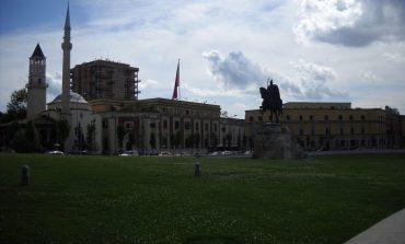 Tirana - fascynujący chaos