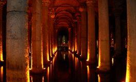W podziemnym pałacu- Cysterna w Stambule